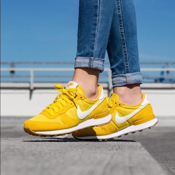 best sneakers aa4e5 968c2 Women s Nike Internationalist Sneakers